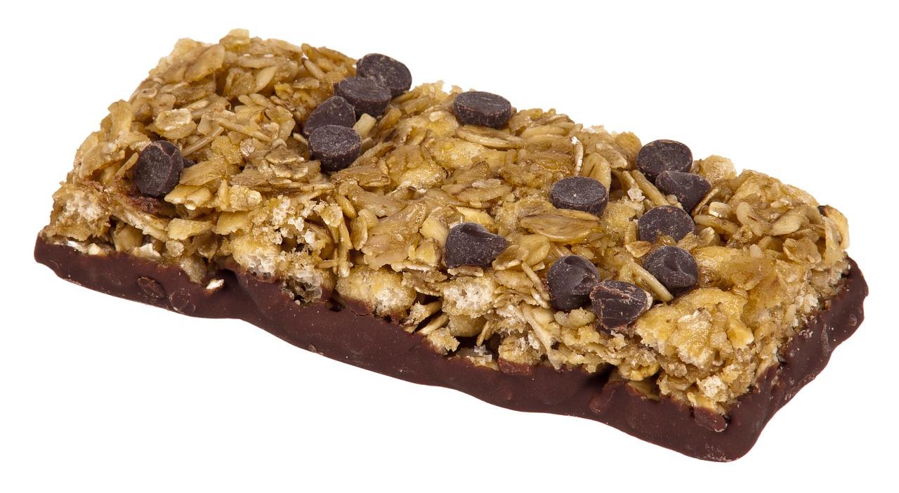 snack idea chocolate chip granola bar